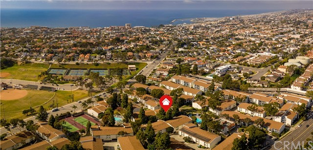 824 Camino Real, Redondo Beach, California 90277, 2 Bedrooms Bedrooms, ,2 BathroomsBathrooms,Condominium,For Sale,Camino Real,SB20037257