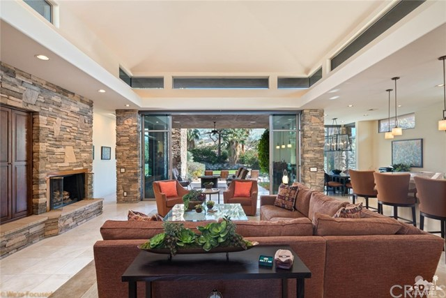 810 Shadow, Palm Desert, CA 92260