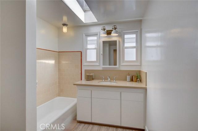 436 1st Street- Manhattan Beach- California 90266, 4 Bedrooms Bedrooms, ,2 BathroomsBathrooms,For Sale,1st,SB20048897