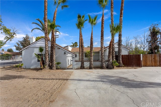 296 N Palm Avenue, Hemet, CA 92543