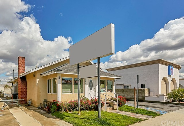 2241 Pacific Coast Highway, Lomita, CA 90717