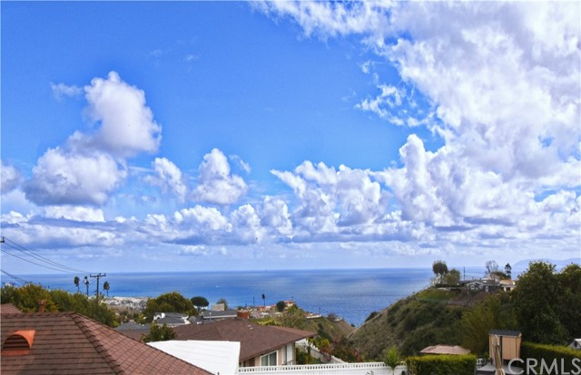 30630 Palos Verdes Drive, Rancho Palos Verdes, California 90275, 3 Bedrooms Bedrooms, ,2 BathroomsBathrooms,For Sale,Palos Verdes,PV21046656