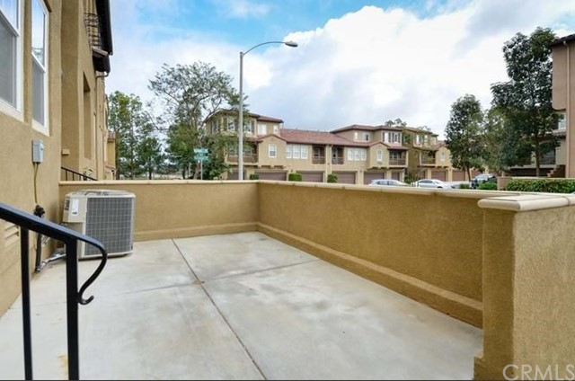 13330 Via Costanza San Diego, CA 92129