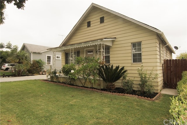 8340 Friends Avenue, Whittier, California 90602, 2 Bedrooms Bedrooms, ,1 BathroomBathrooms,Single Family Residence,For Sale,Friends,AR20186848