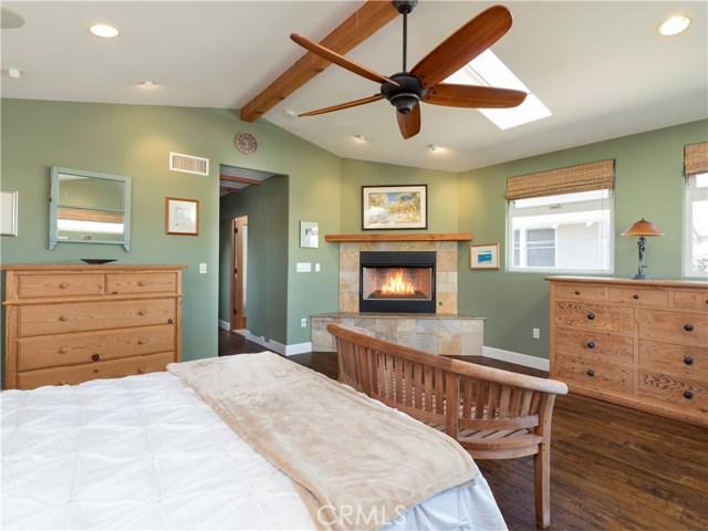 1158 8th Street, Hermosa Beach, California 90254, 3 Bedrooms Bedrooms, ,1 BathroomBathrooms,For Sale,8th,SB20088189
