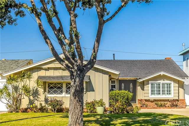 517 Avenue F, Redondo Beach, California 90277, 4 Bedrooms Bedrooms, ,2 BathroomsBathrooms,For Sale,Avenue F,SB17044505