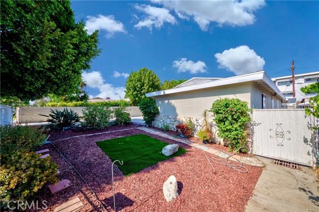 5. 7002 Van Noord Avenue North Hollywood, CA 91605