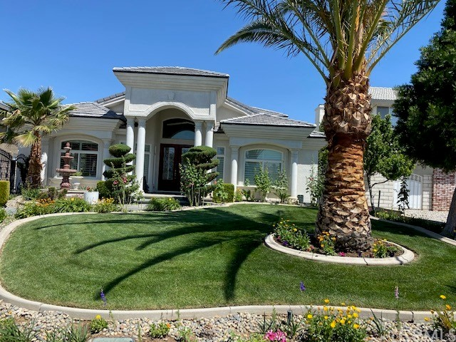 12865 Amberwood Ln, Victorville, CA 92395