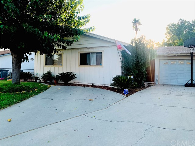 Photo of 831 S Harvard Street, Hemet, CA 92543