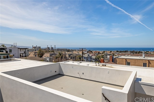 Extraordinary panoramic ocean views from the roof top deck (engineered to accommodate a spa)