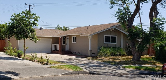 1905 W Hall Avenue, Santa Ana, CA 92704
