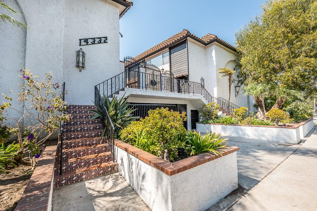 14332 Dickens Street 20, Sherman Oaks, CA 91423