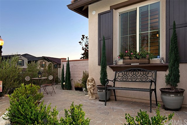 39185 Steeplechase Ln, Temecula, CA 92591 Photo 2