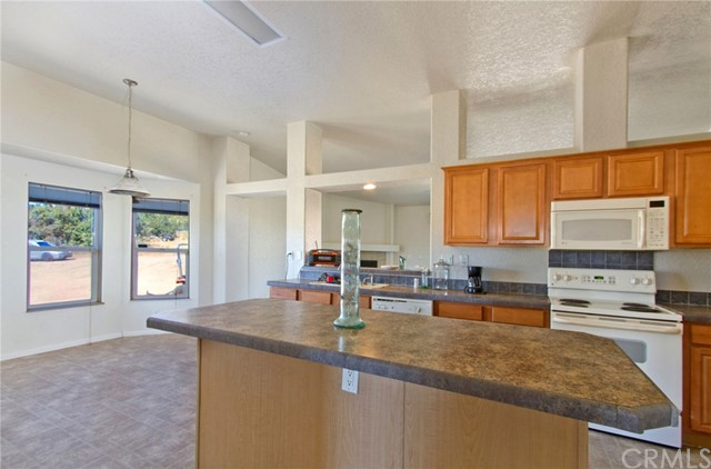 37765 Quarter Valley Rd, Temecula, CA 92592 Photo 11