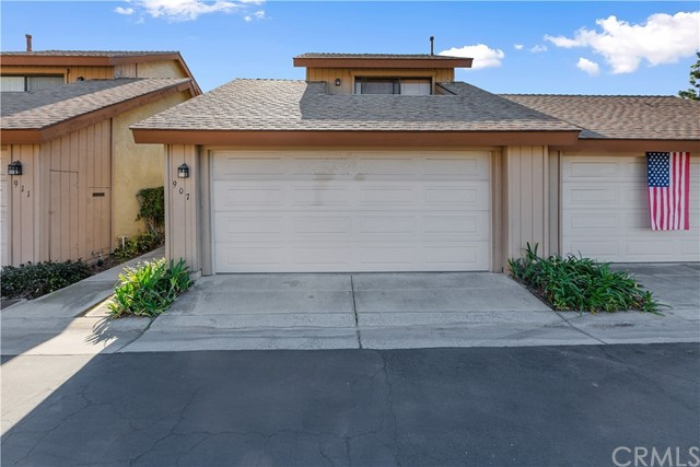 907 S Laurelwood Lane 6, Anaheim, CA 92806