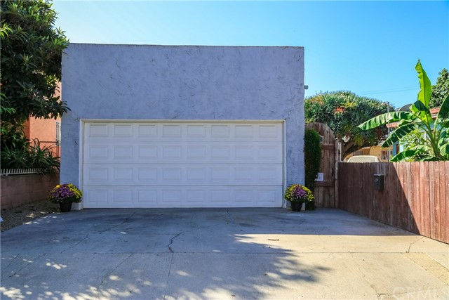86 W 49th Street, Long Beach, CA 90805