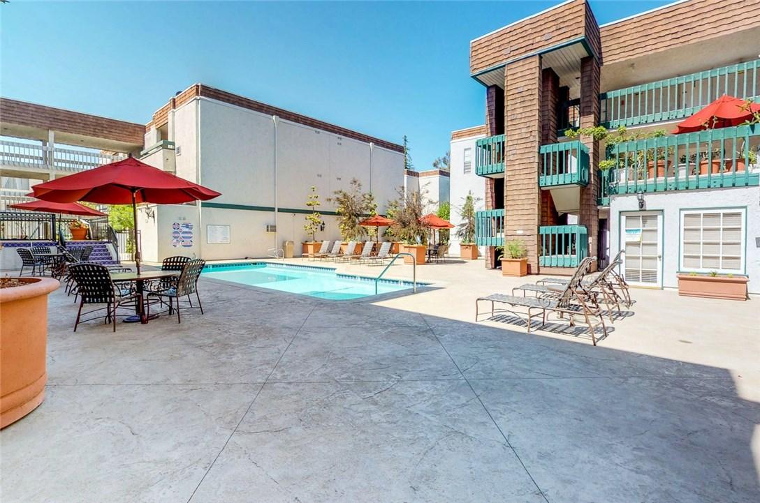 360 S Euclid Av, Pasadena, CA 91101 Photo 17