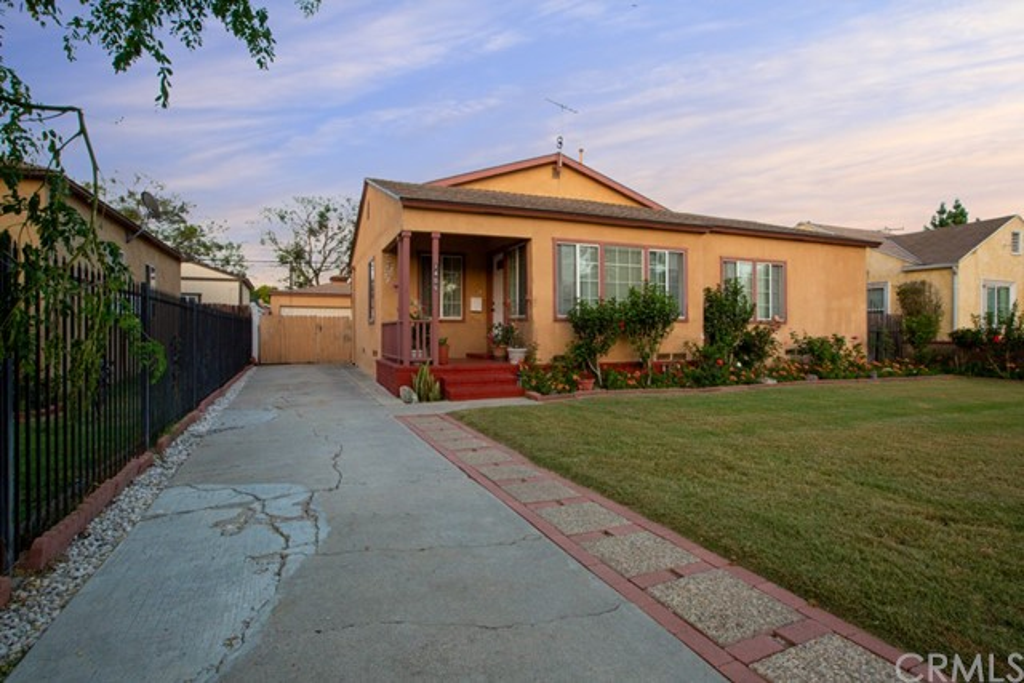 1405 Maple Street, Santa Ana, CA 92707