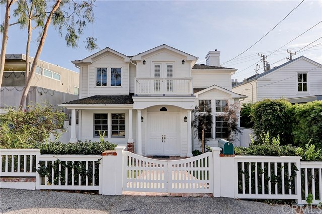 576 27th Street, Manhattan Beach, California 90266, 4 Bedrooms Bedrooms, ,2 BathroomsBathrooms,For Rent,27th,SB20220212
