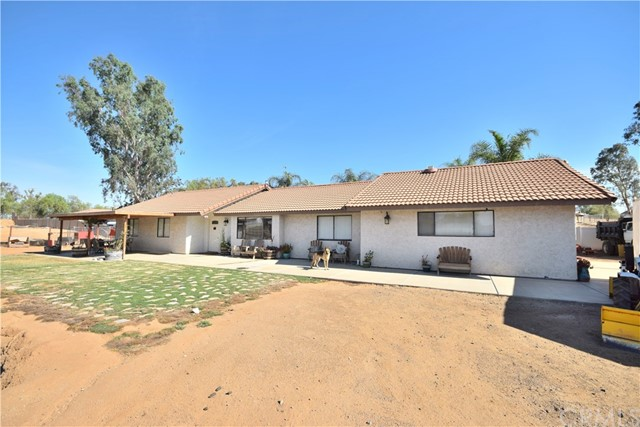 18215 Avenue D, Perris, California 92570, 4 Bedrooms Bedrooms, ,2 BathroomsBathrooms,For Sale,Avenue D,SW18176521