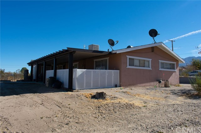 32362 Sutter Rd, Lucerne Valley, CA 92356 Photo 2