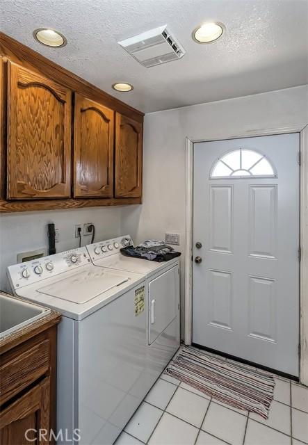 47. 5225 Bellflower Street Oak Hills, CA 92344