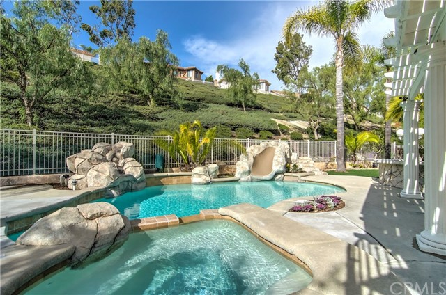 23 Via Berrendo, Rancho Santa Margarita, CA 92688