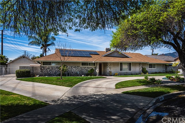 1605 N Palm Avenue, Upland, CA 91784