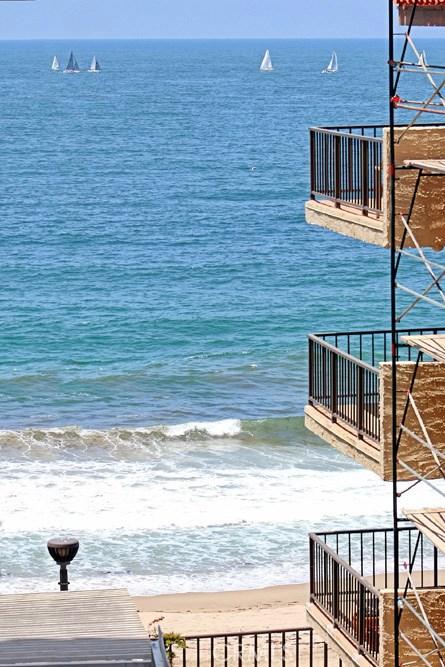 565 Esplanade 201, Redondo Beach, California 90277, 1 Bedroom Bedrooms, ,1 BathroomBathrooms,For Rent,Esplanade,SB20100213