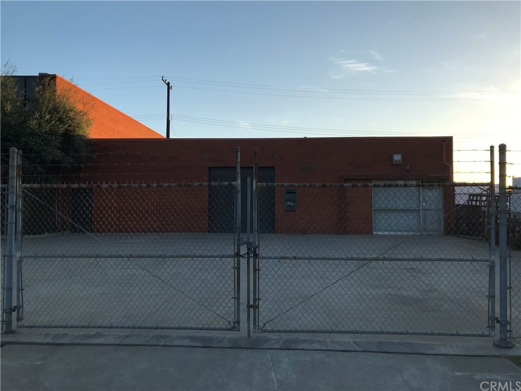 Owner may finance.  Brick building in industrial area of Fullerton.  Lots of potential.  Parking in the front, office space, restroom, roll-up door and high ceiling.  Adjacent property also for sale (536 E. Walnut).  Seller open to a package deal offer for both buildings.  Property located just off the Main Street and close to the freeway.  Buyer to do own inspection and verify all Specs and square footage as measurement is estimate.