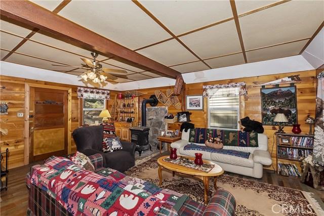 33785 Cedar Pines Ln, Green Valley Lake, CA 92341 Photo 3
