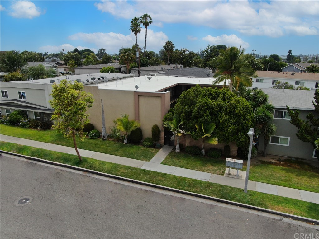 Photo of 2024 E Whiting Ave, Fullerton, CA 92831