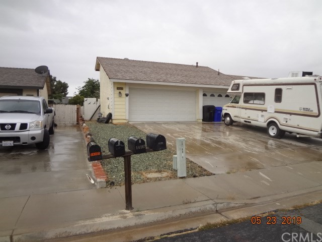 14167 Whispering Sands Drive, Victorville, CA 92392