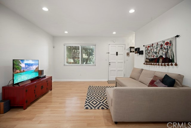 360 Obispo Avenue 9, Long Beach, CA 90814