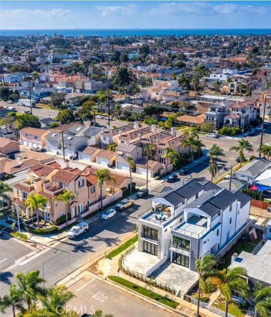 1103  England, Huntington Beach, California