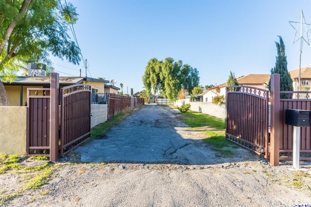 10861 Nettleton Street, Sun Valley, CA 91352