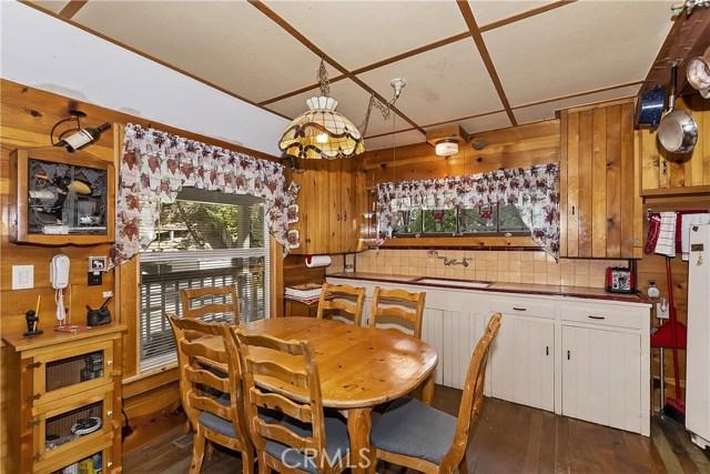 33785 Cedar Pines Ln, Green Valley Lake, CA 92341 Photo 8