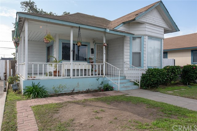 1008 E Pine Street, Santa Ana, CA 92701