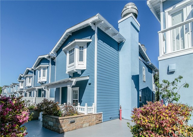 229  Aviation Pl 90266 - One of Manhattan Beach Homes for Sale
