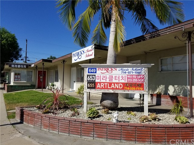 649 W Commonwealth Avenue, Fullerton, CA 92832