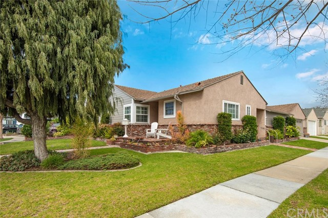 6011 Michelson Street, Lakewood, CA 90713