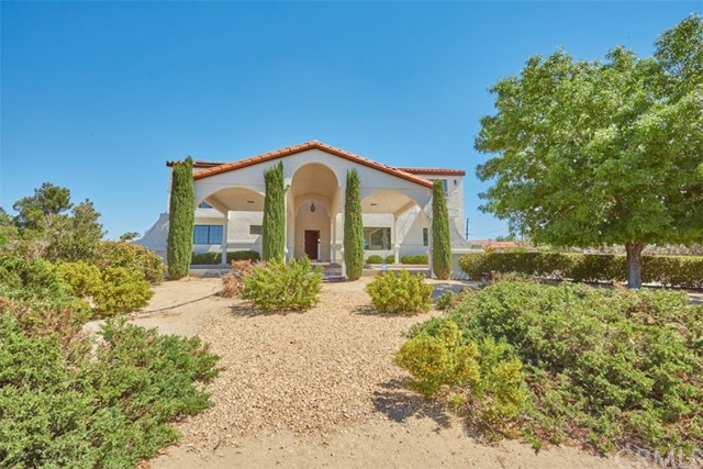 18760 Otomian Road, Apple Valley, CA 92307