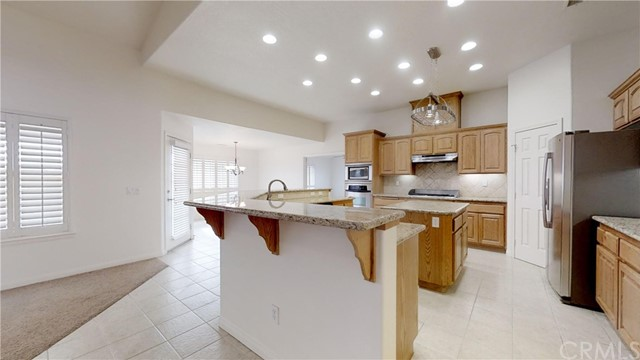 11761 Farmington St, Oak Hills, CA 92344 Photo 40