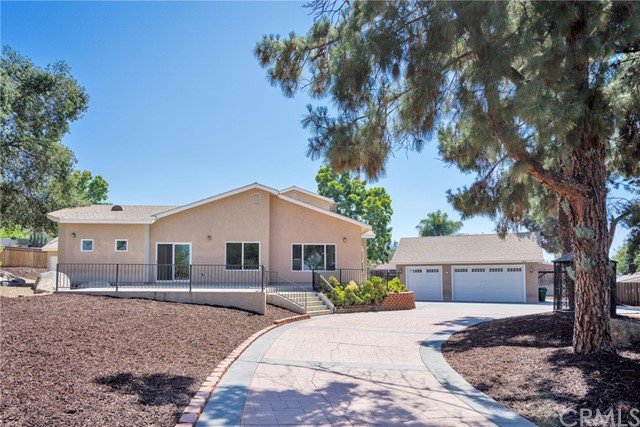 1360 S Magnolia Avenue, El Cajon, CA 92020