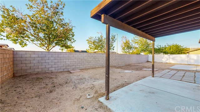 32. 12728 Water Lily Lane Victorville, CA 92392