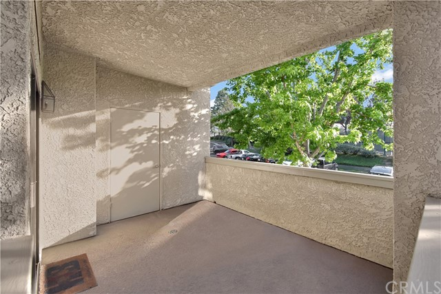 18. 17172 Abalone Lane #104 Huntington Beach, CA 92649