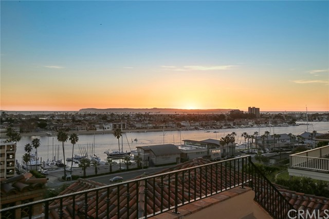 1611 Kings Road, Newport Beach, CA 92663