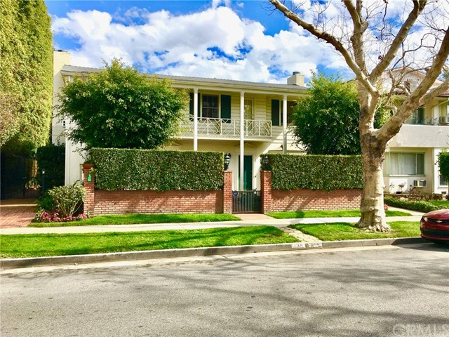 142 S Bedford Drive 142 1/2, Beverly Hills, CA 90212
