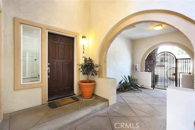 634 E Walnut St, Pasadena, CA 91101 Photo 2
