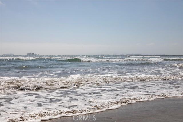 40. 26 A Surfside Surfside, CA 90743